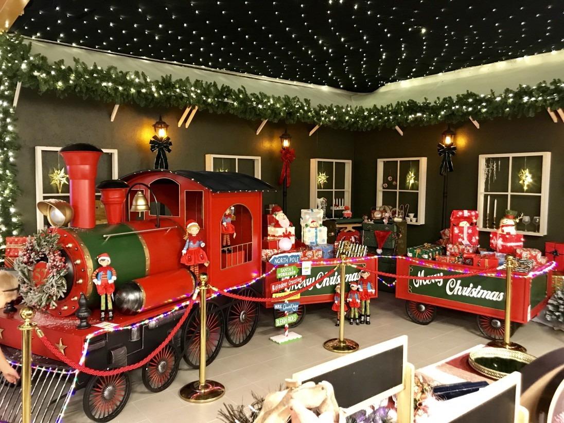 Tåg på Brisaks julavdelning