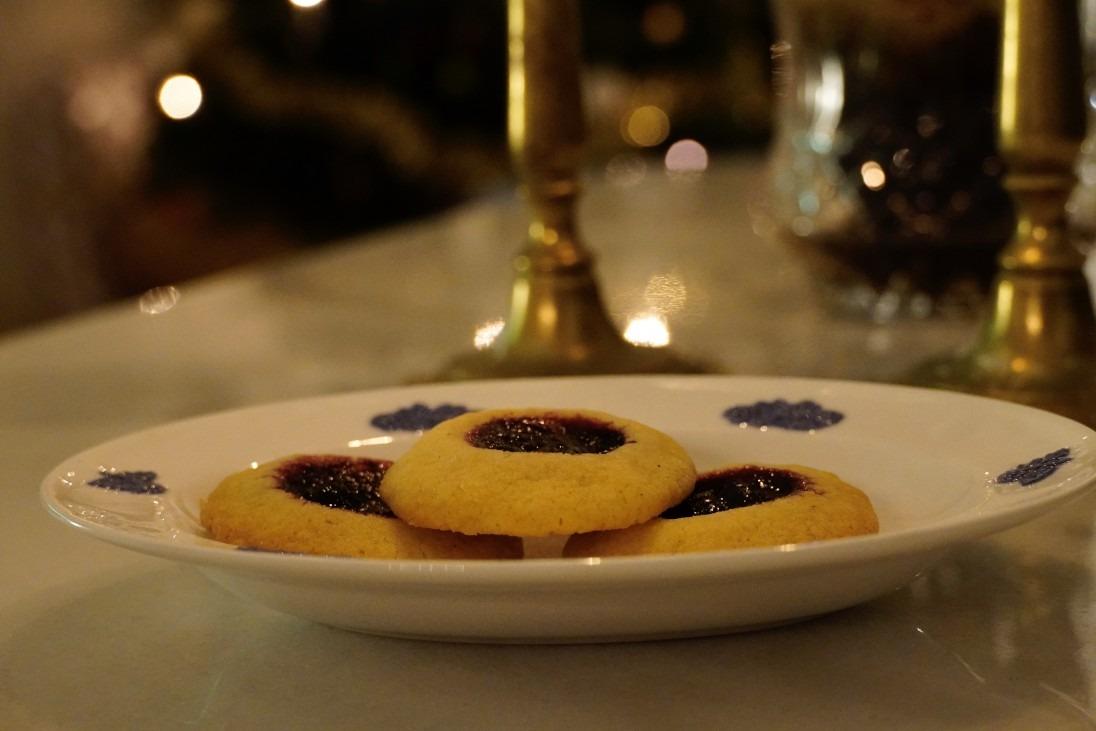 Syltkakor med saffran och blåbärssylt